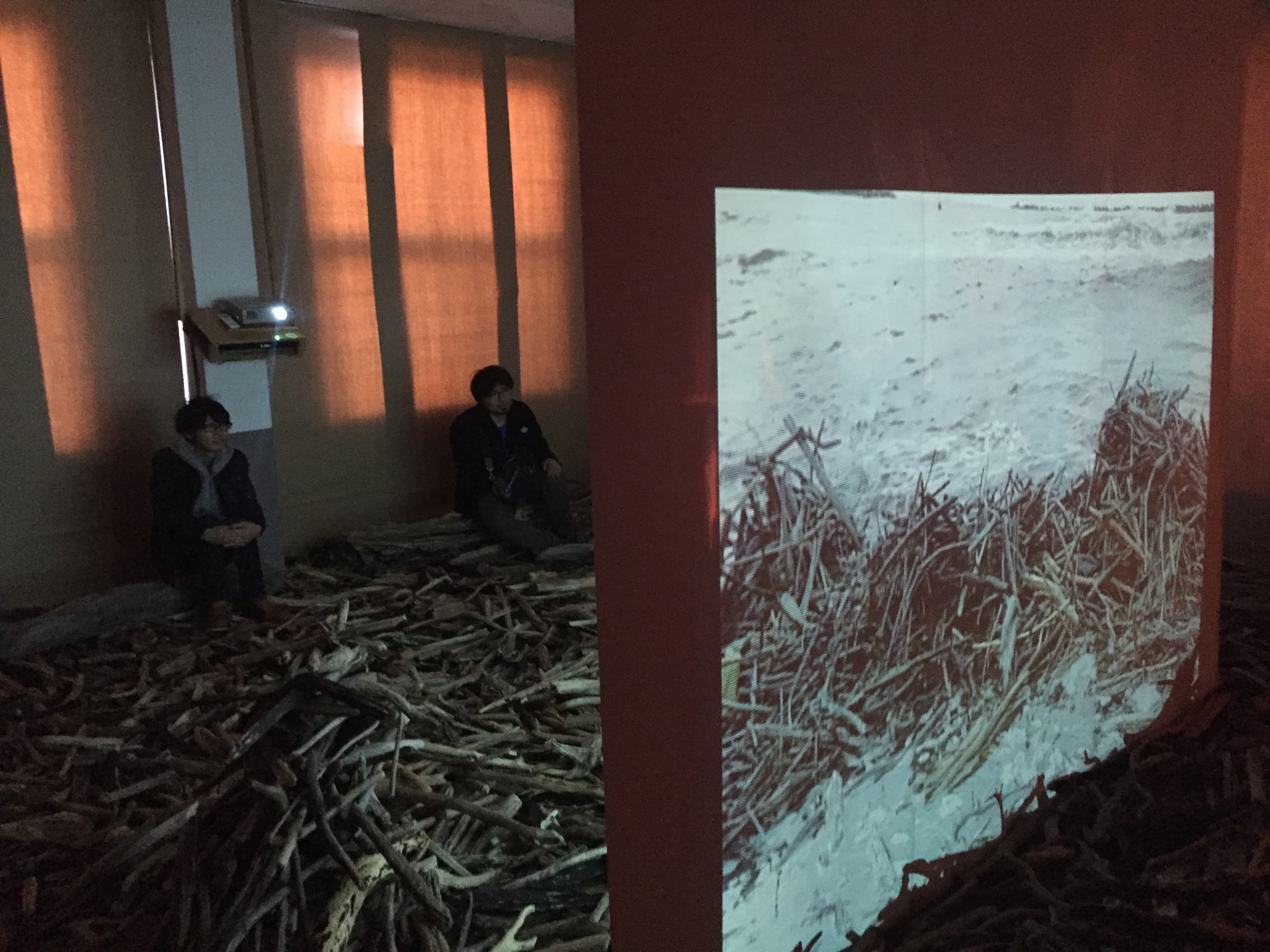恋島公民館での展示の様子