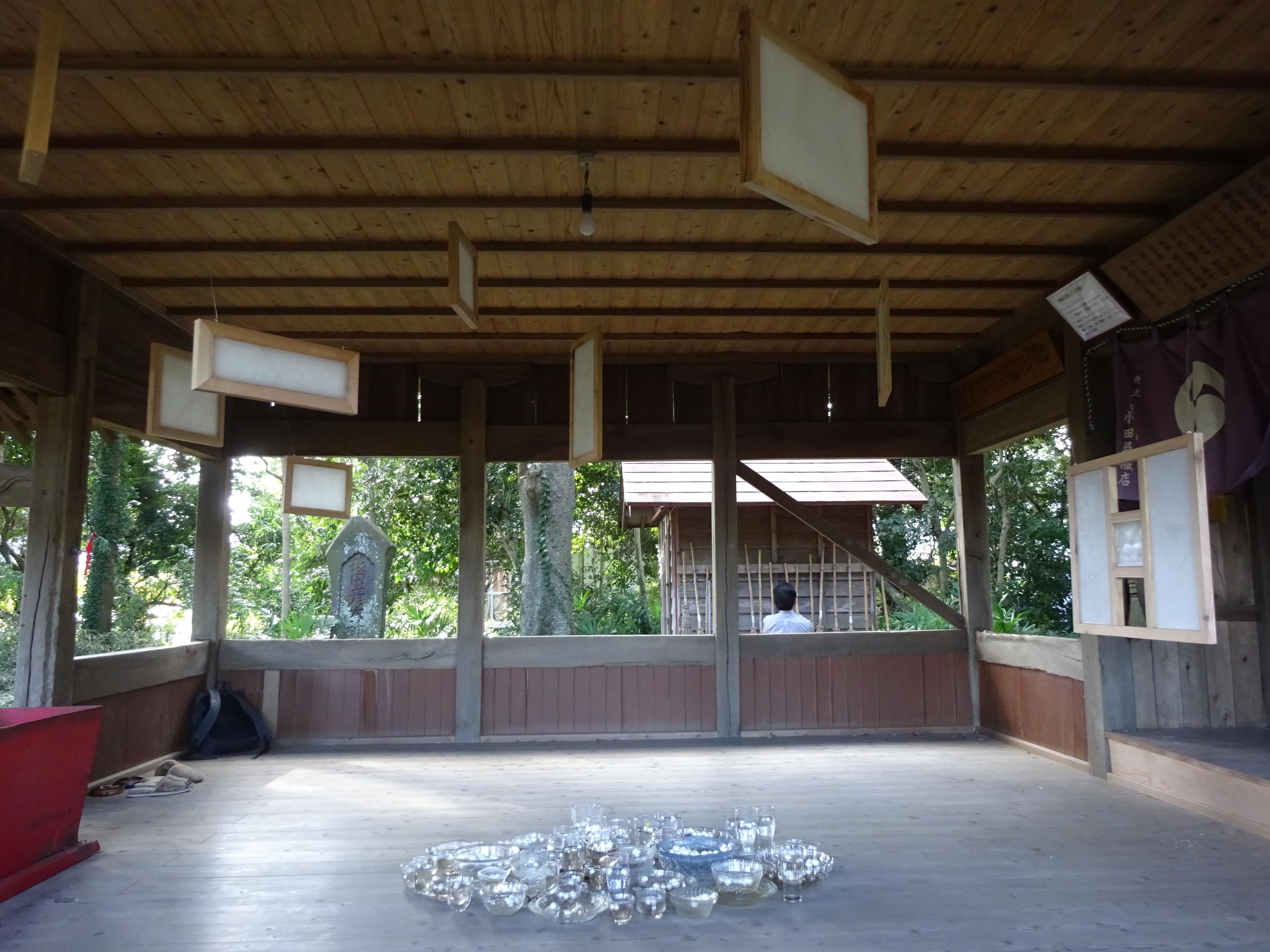粟野名神社での展示の様子